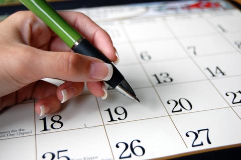 pen-and-calendar