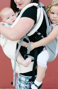 lillebaby-complete-carryon-tandem-toddler-babywearing-photo-16